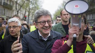 """Jean-Luc Mélenchon lors du 19e samedi de mobilisation des """"gilets jaunes"""" à Paris, le 23 mars. (JEREMIAS GONZALEZ / NURPHOTO / AFP)"""