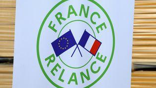 Le logo du plan de relance, lancé le 3 septembre 2020. (JEAN-CHRISTOPHE VERHAEGEN / AFP)