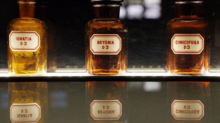 Des flacons de parfums au musée Fragonard à Paris, le 10 septembre 2015. (FRANCOIS GUILLOT / AFP)