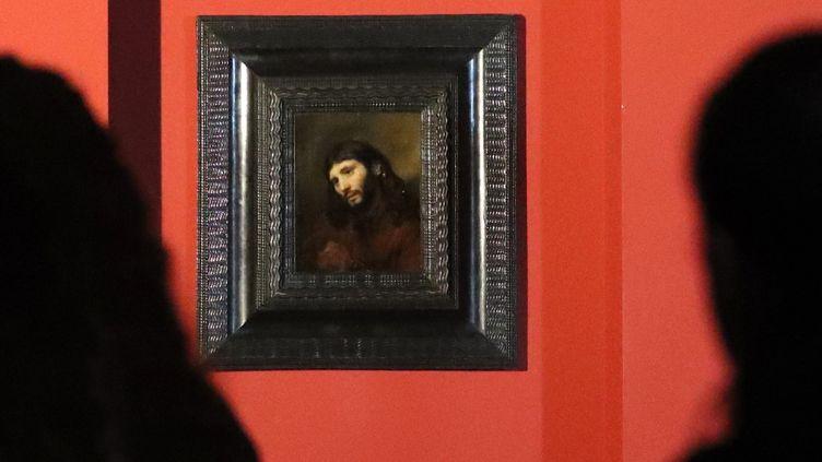 Tête de jeune homme, avec les mains jointes: étude de la figure du Christ, Rembrandt   (KARIM SAHIB / AFP)