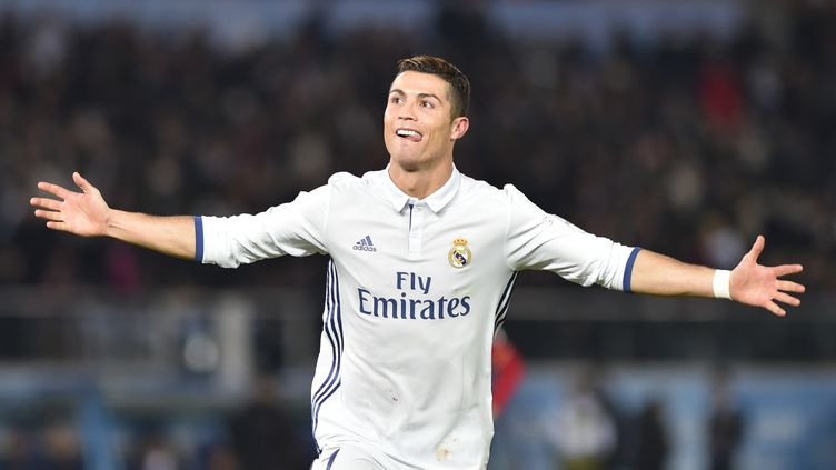 Cristiano Ronaldo a vécu une année 2016 exceptionnelle  (KAZUHIRO NOGI / AFP)