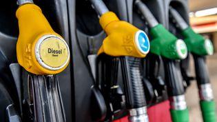 Le 19 décembre, le prix moyen du litre de gazole s'établit, en France, à 1,15 euro. (PHILIPPE HUGUEN / AFP)