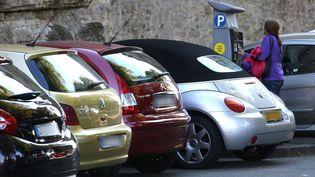 Seuls 35% des automobilistes français payent spontanément leur stationnement, selon un rapport. (MaxPPP)