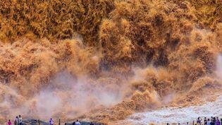 L'impressionnante cascade de Hukou, sur le fleuve jaune, en Chine. (CAPTURE ECRAN FRANCE 2)