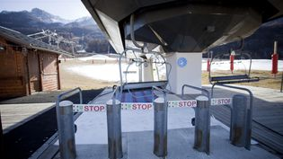 La station de Serre-Chevalier, dans les Hautes-Alpes, le 25 novembre 2020. (THIBAUT DURAND / HANS LUCAS VIA AFP)