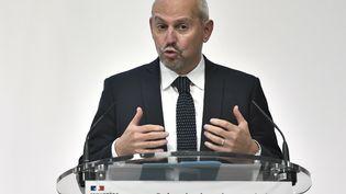 Le directeur général de la santé, Jérôme Salomon, lors d'une conférence de presse sur la situation sanitaire, le 5 novembre 2020. (STEPHANE DE SAKUTIN / AFP)