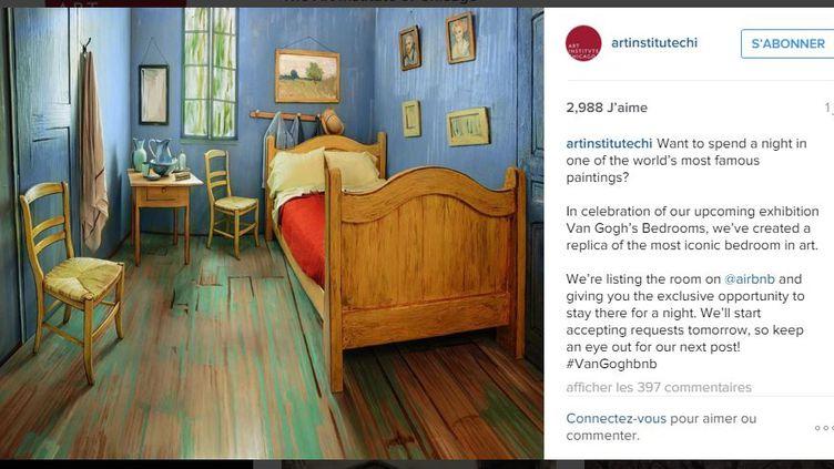 Afin d'assurer la promotion d'une exposition consacrée à Vincent Van Gogh, un musée américain a recréé, dans une vraie pièce, la scène de l'une de ses toiles les plus célèbres. (ARTINSTITUTECHI / INSTAGRAM)