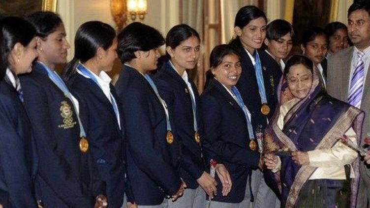 Une équipe féminine de Kabbadi, à New-Delhi, le 4 décembre 2010. (AFP/Rareendran)