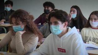 Filles meilleures à l'école (FRANCEINFO)