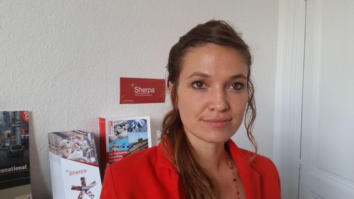 Marie-Laure Guislain, responsable du contentieux à Sherpa, en juin 2017. (BENOÎT COLLOMBAT / RADIO FRANCE)