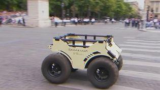 Des robots terrestres ultra-modernes fabriqués par une entreprise de La Rochelle (Charente-Maritime) défileront sur les Champs-Élysées pour le 14 Juillet. (CAPTURE D'ÉCRAN FRANCE 3)