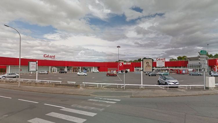 """Des """"gilets jaunes"""" ont mené un relevé de prix dans le magasin Géant Casino de Montceau-les-Mines (Saône-et-Loire), le 3 janvier 2018. (GOOGLE MAPS)"""