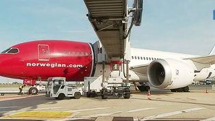 Norwegian Air, la troisième compagnie low cost en Europe, s'est spécialisée dans les vols vers le continent américain et a décidé de renforcer sa présence en France.   (FRANCE 3)