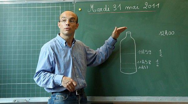 Gilles Vernet dans sa classe  (Kamea Meah Films)