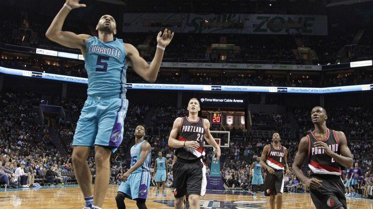 Nicolas Batum semble trouver sa place dans le collectif des Hornets (CHUCK BURTON/AP/SIPA / AP)
