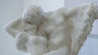 """La sculpture """"L'éternel Printemps"""" de Rodin  (KENA BETANCUR / AFP)"""
