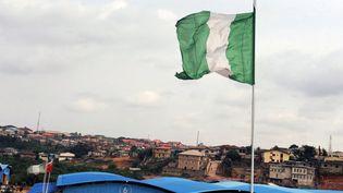 Un drapeau du Nigeria, à Lagos, le 8 septembre 2012. (photo d'illustration) (PIUS UTOMI EKPEI / AFP)
