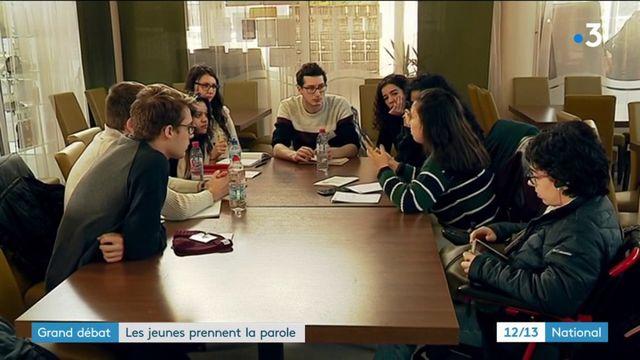 Grand débat national : les jeunes échangent avec Emmanuelle Wargon à La Rochelle