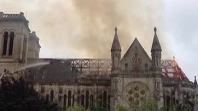 Nantes : la basilique Saint-Donatien ravagée par un incendie