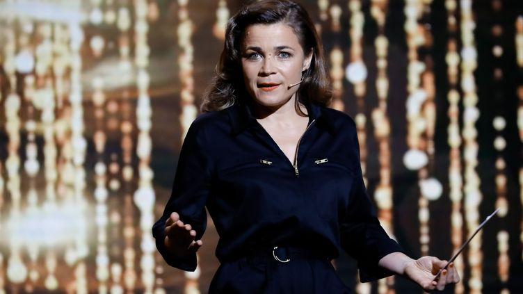 L'humoriste Blanche Gardin sur la scène de la 30e cérémonie des Molières le 28 mai 2018. (ROMUALD MEIGNEUX / SIPA)