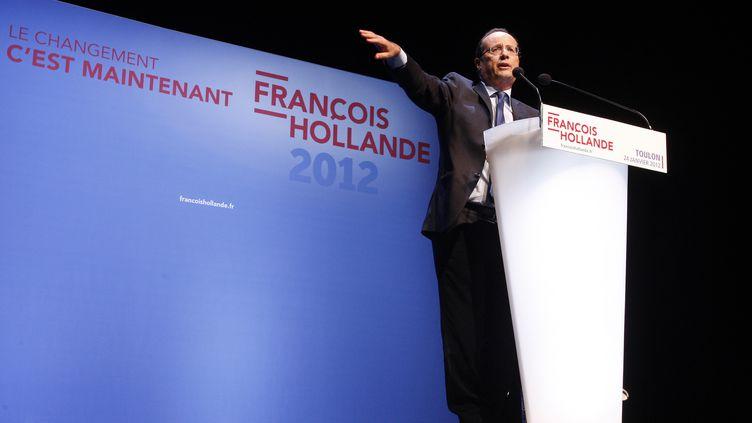 François Hollande en réunion publique à Toulon (Var), le 24 janvier 2012, entre son grand meeting au Bourget et la présentation de son programme. (PHILIPPE LAURENSON / REUTERS)