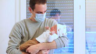 Naissance à la maternité de Mulhouse (Haut-Rhin) le 1er janvier 2021 (DAREK SZUSTER / MAXPPP)