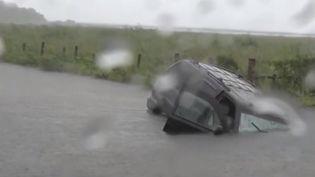 La dépression tropicale Imelda a provoqué de violentes inondations au Texas, qui ont fait au moins cinq morts. (France 3)