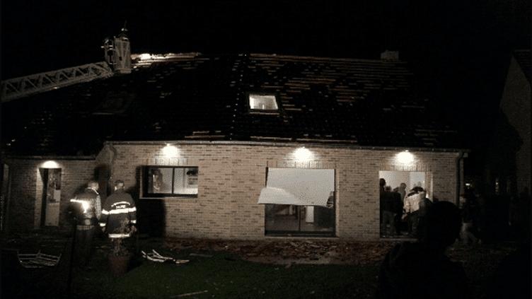 La tornade à Bailleul (Nord) a fait deux blessés légers et causé d'importants dégâts matériels, le 20 octobre 2013. (FRANCE 3 NORD-PAS-DE-CALAIS)