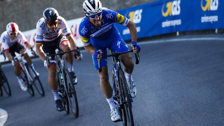 Julian Alaphilippe lors de sa victoire sur Milan-San Remo en 2019. (LUCA BETTINI / POOL)
