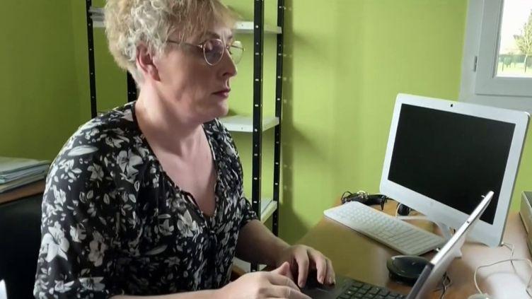 L'élection en 2020 de Marie Cau, maire sans étiquette deTilloy-lez-Marchienneset transgenre, a été une première en France. (CAPTURE ECRAN FRANCE 3)