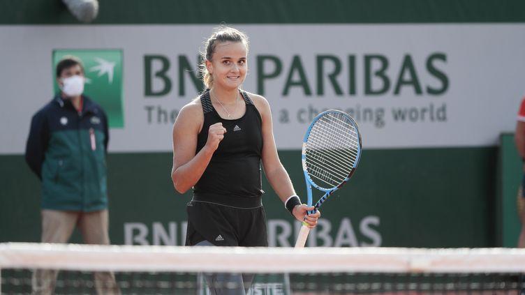 Clara Burel peut célébrer, elle se qualifie pour le troisième tour de Roland-Garros  (STEPHANE ALLAMAN / STEPHANE ALLAMAN)