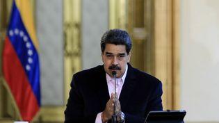 Le président vénézuélien, Nicolas Maduro, lors d'une allocution télévisée dans son palais à Caracas, le 26 mars 2020. (JHONN ZERPA / VENEZUELAN PRESIDENCY / AFP)
