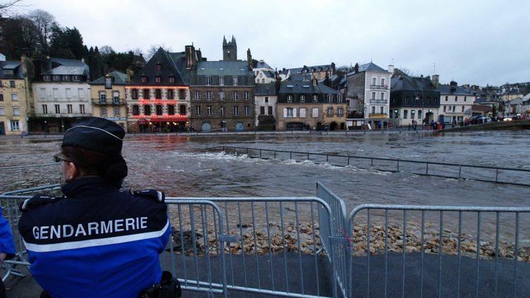Le centre-ville de Quimperlé a été touché par des inondations, le 1er janvier 2014, dans le Finistère. (  MAXPPP)