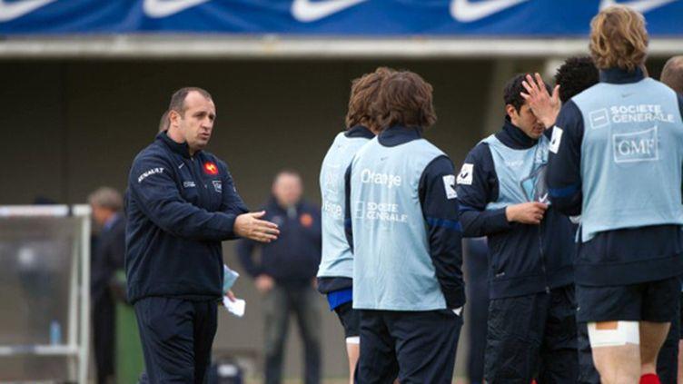 Saint-André parle à ses joueurs (BERTRAND LANGLOIS / AFP)