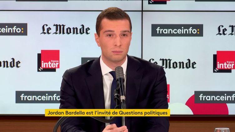 Jordan Bardella, vice président du Rassemblement national, invité de Questions politiques sur franceinfo, dimanche 22 novembre 2020. (FRANCEINFO)