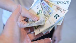 L'employé municipal a déclaré aux enquêteurs avoir perçu 50 000 euros de pots-de-vin depuis au moins deux ans. (JEAN-LUC FLEMAL / MAXPPP)