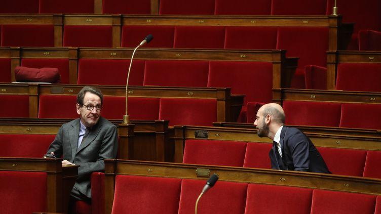Gilles Legendre etStanislas Guerini, le 22 mars 2020. (LUDOVIC MARIN / AFP)