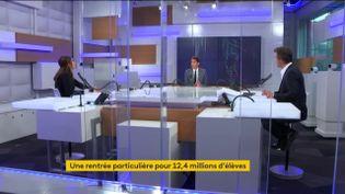 """Le porte-parole du gouvernement Gabriel Attal, invité sur le plateau du """"8h30 de franceinfo"""", le 1er septembre 2020. (FRANCEINFO / FRANCE TELEVISIONS)"""