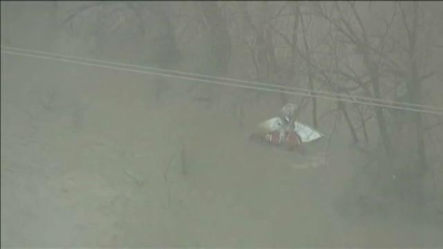 L'homme a été surpris par la crue de la rivière Trinity, près de Dallas, lundi.