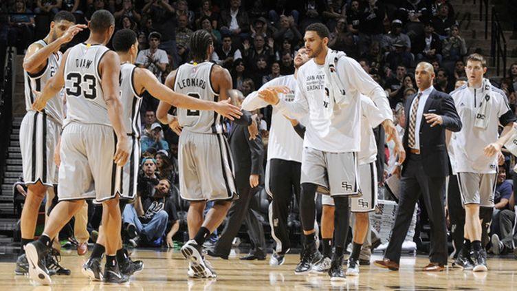 Les San Antonio Spurs de Tim Duncan (D. CLARKE EVANS / NBAE / GETTY IMAGES)