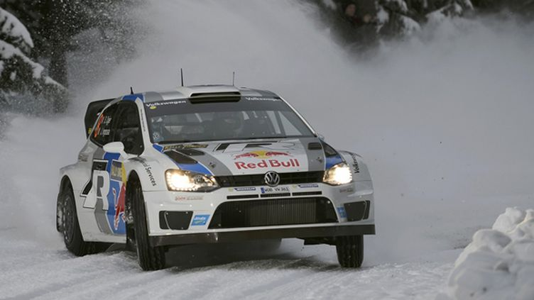 Sébastien Ogier (Volkswagen Polo R WRC) sur la neige (BILDAGENTUR KR?LING / BILDAGENTUR KR?LING)