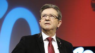 Jean-Luc Mélenchon présente son programme de relance économique lors d'undirect Youtube filmé à Paris, le 19 février 2017. (FRANCOIS GUILLOT / AFP)
