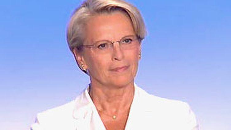 Michèle Alliot Marie au 19/20 de France 3 le  25/08/2006 (© France 3)