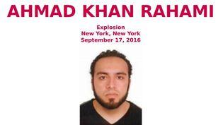 Le FBI a publié un avis de recherche, le 19 septembre 2016, pour retrouver Ahmad Khan Rahami, un suspect en lien avec l'explosion qui a fait 29 blessés à New York (Etats-Unis). (FEDERAL BUREAU OF INVESTIGATION)