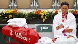La Bélarusse Victoria Azarenka lors d'un match contre la Montégrine Danka Kovinic sur le court Suzanne-Lenglen de Roland-Garros, à Paris, le 27 septembre 2020. (CHRISTIAN HARTMANN / REUTERS)