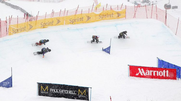 Le snowboardcross, épreuve spectaculaire (DOUG PENSINGER / GETTY IMAGES NORTH AMERICA)