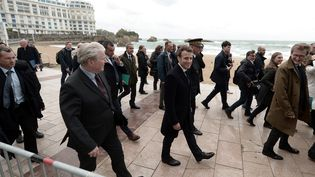 Emmanuel Macron lors de sa visite à Biarritz, le 17 mai 2019. (IROZ GAIZKA / AFP)