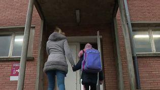 Covid-19 : pas de reconfinement à Dunkerque, nouveau protocole dans les établissements scolaires (France 2)