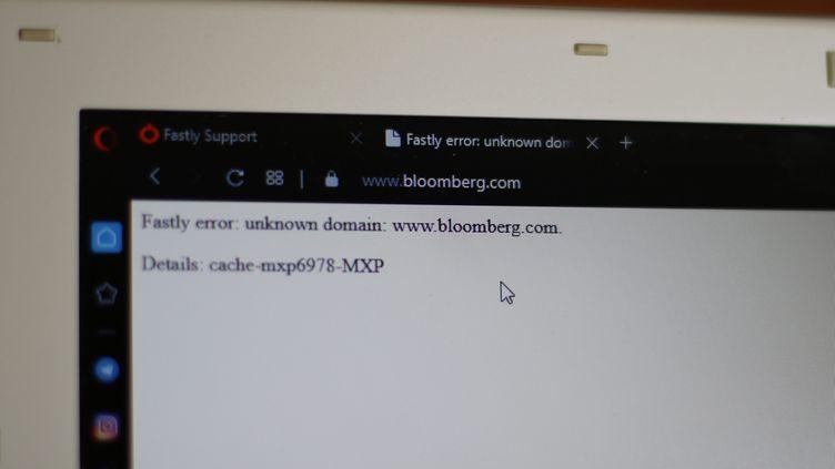 Le site d'information financière Bloomberg affiche un message d'erreur lors d'une panne ayant touché de nombreux sites et services, le 8 juin 2021. (MAXPPP)