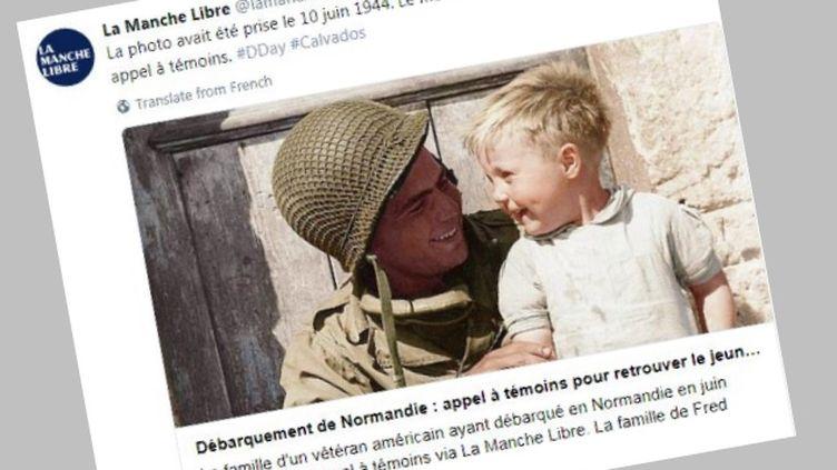 La photo du Gi et de l'enfant, relayée par le compte Twitter de La Manche Libre, le 13 juillet. (CAPTURE ECRAN / TWITTER)